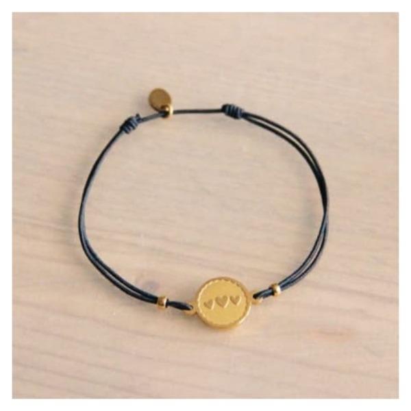 Bazou Elastic bracelet with round charm 3 hearts - gray / gold