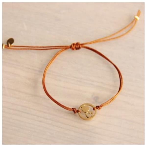 Bazou Silk thread bracelet with double heart - cognac / gold