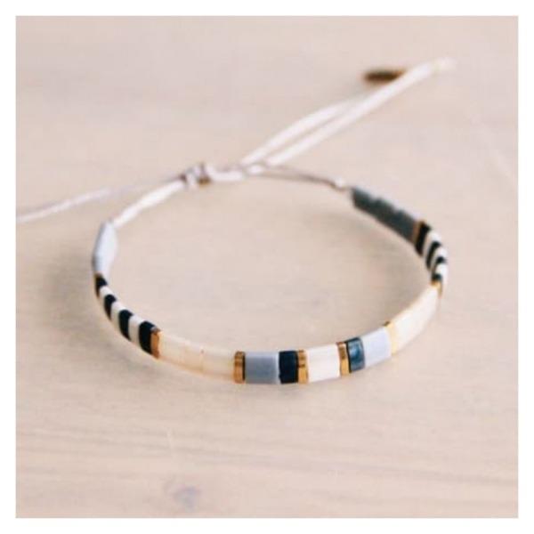 Bazou Tilabead bracelet gray / nude / gold color