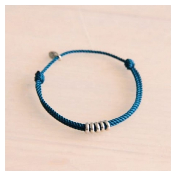 Bazou Twisted bracelet with rings - blue / silver